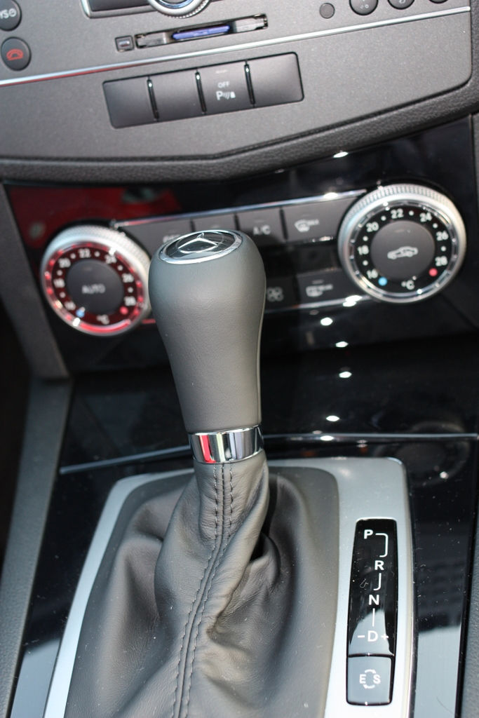 C200(W204) 低速域でのバタつき感