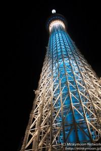 下から見上げた東京スカイツリー