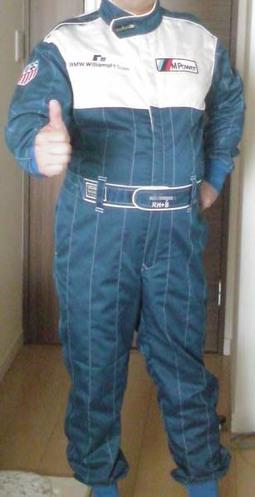 レーシングスーツが届いた