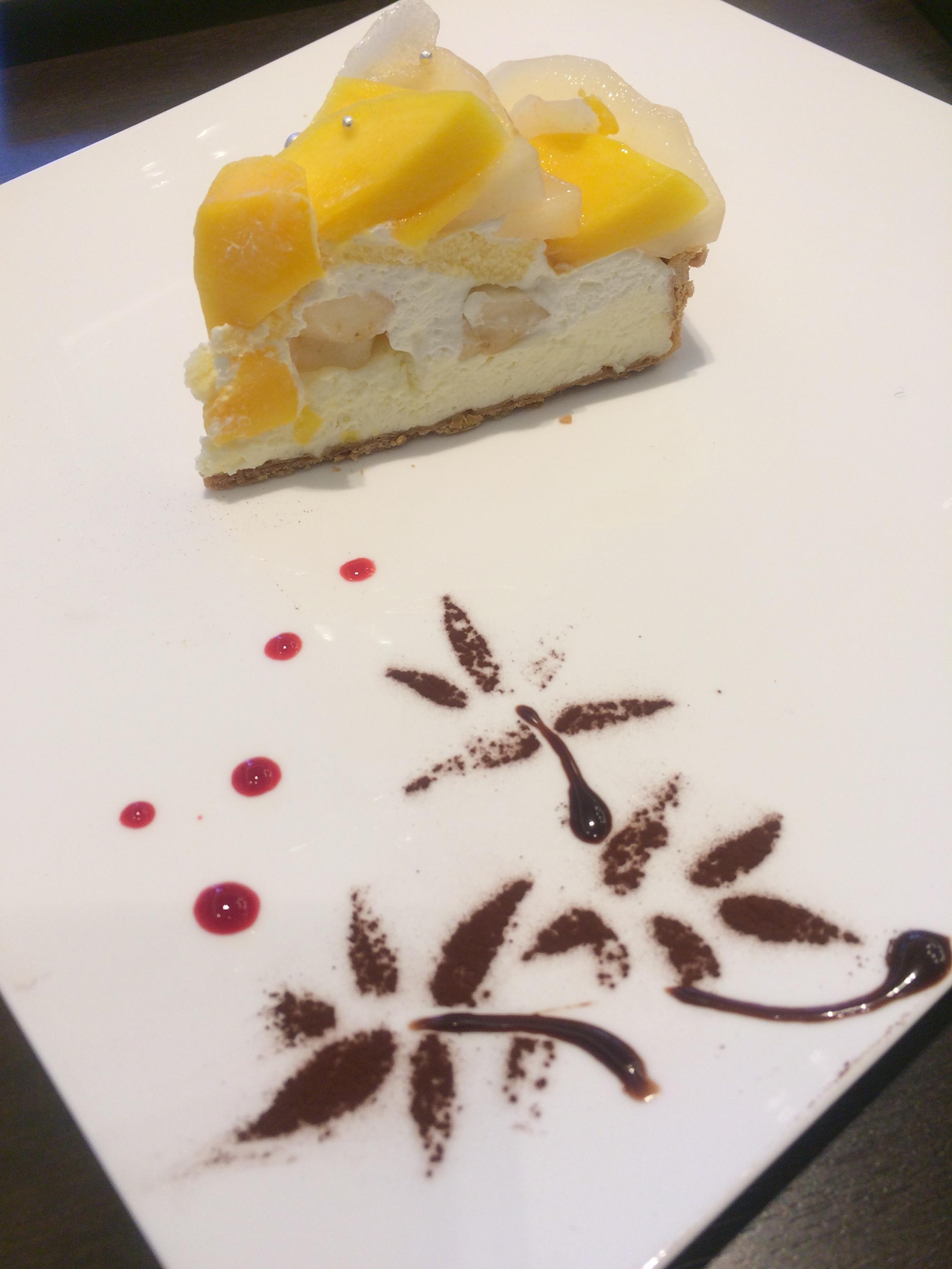 軽井沢 カフェコムサ 季節フルーツのタルトが絶品