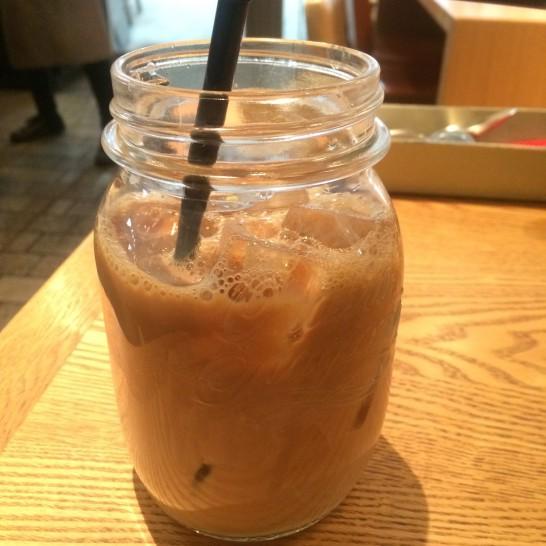 シーズカフェのアイスラテ