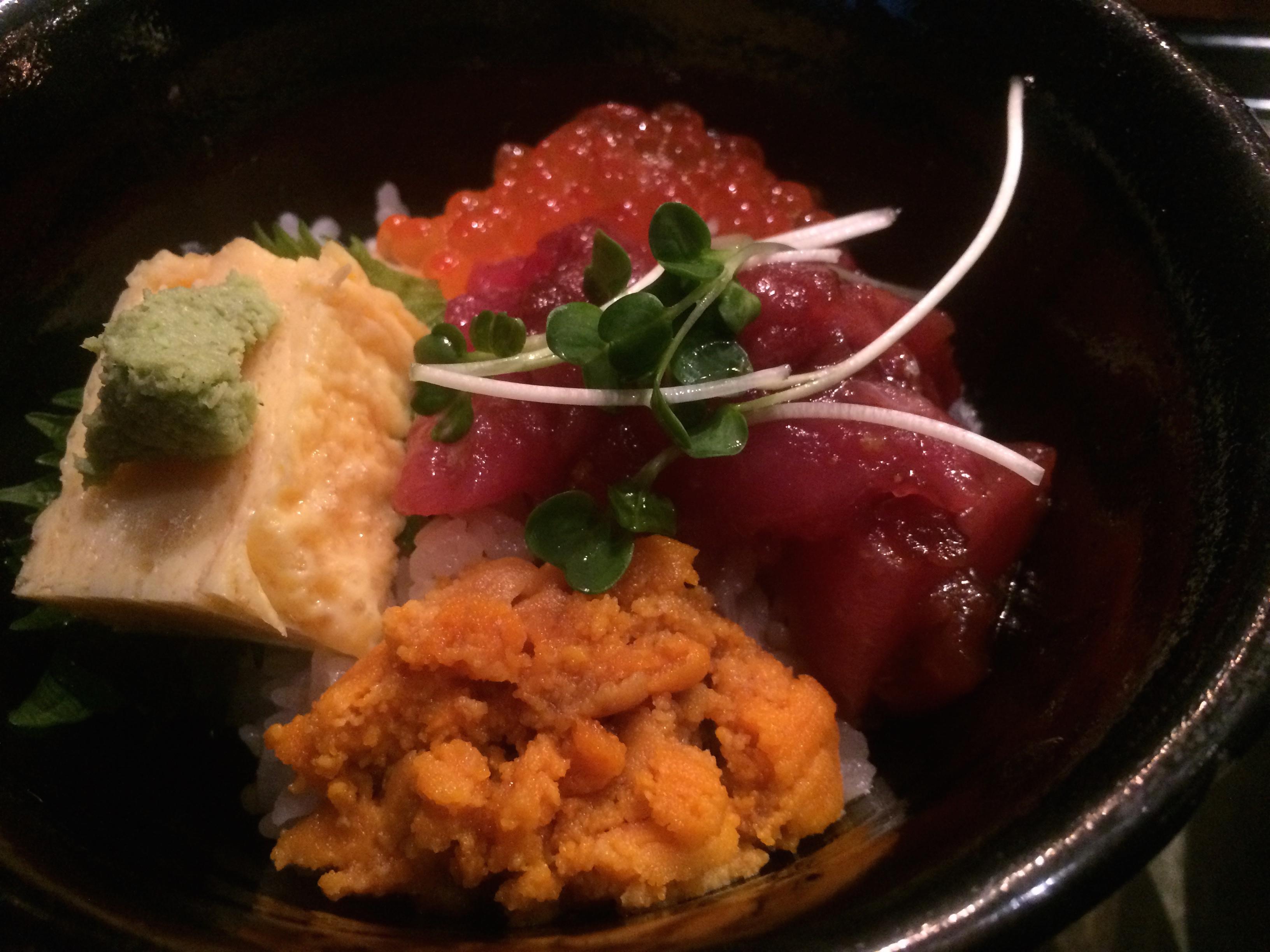 三冨魯久汁八 三色丼