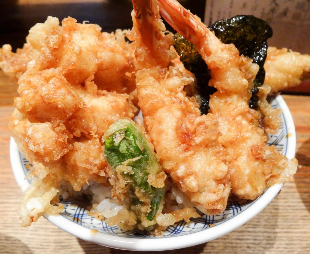 2時間待ちは必須! 三越前の「天丼半之助」日本橋店で天丼を食べてきた