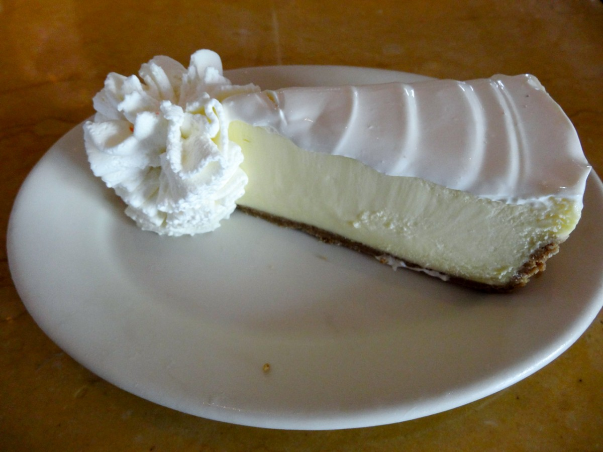 cheesecake factory honolulu